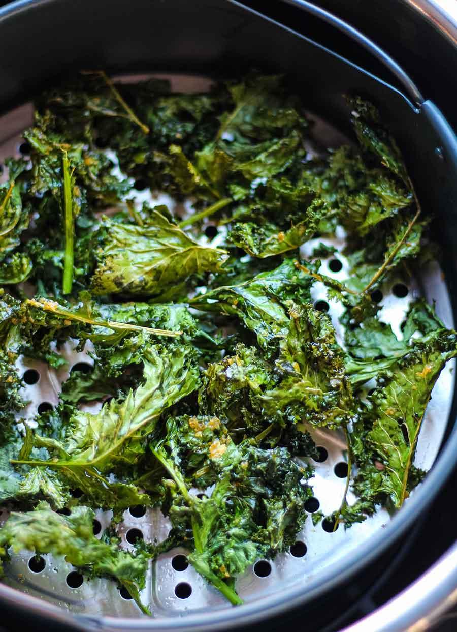 Chips de kale en la Instant Pot Duo Crisp