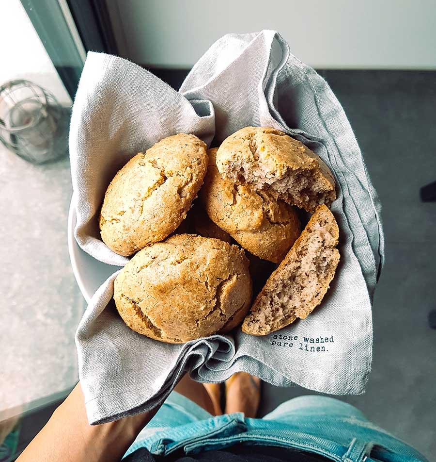 Panecillos sin gluten de harina de almendra