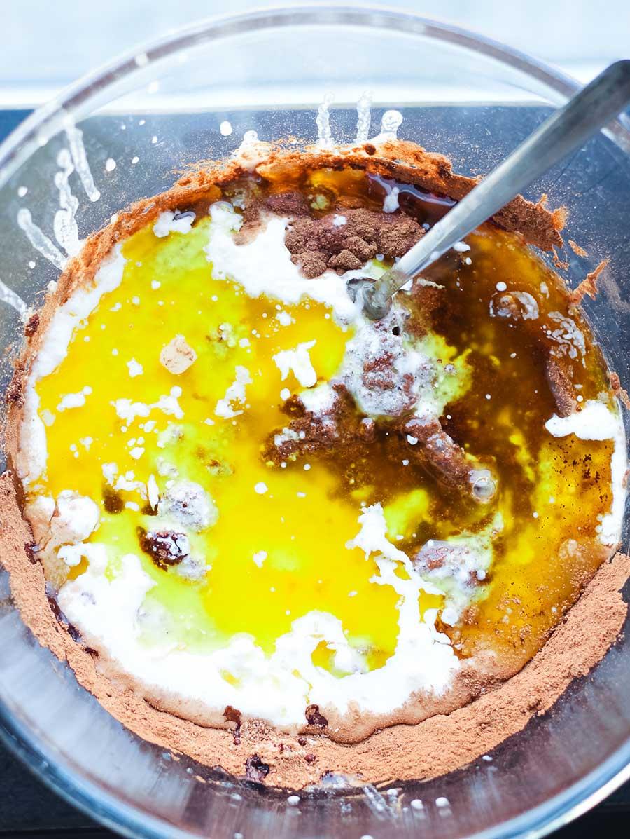 Pastel de chocolate y aceite de oliva